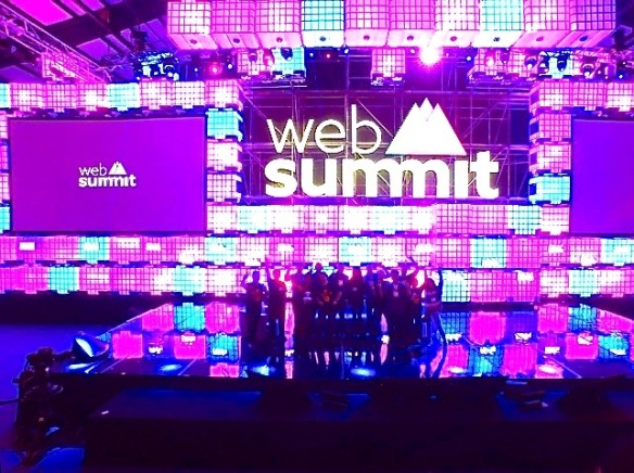 Drone photo of HK peeps on Web Summit stage.